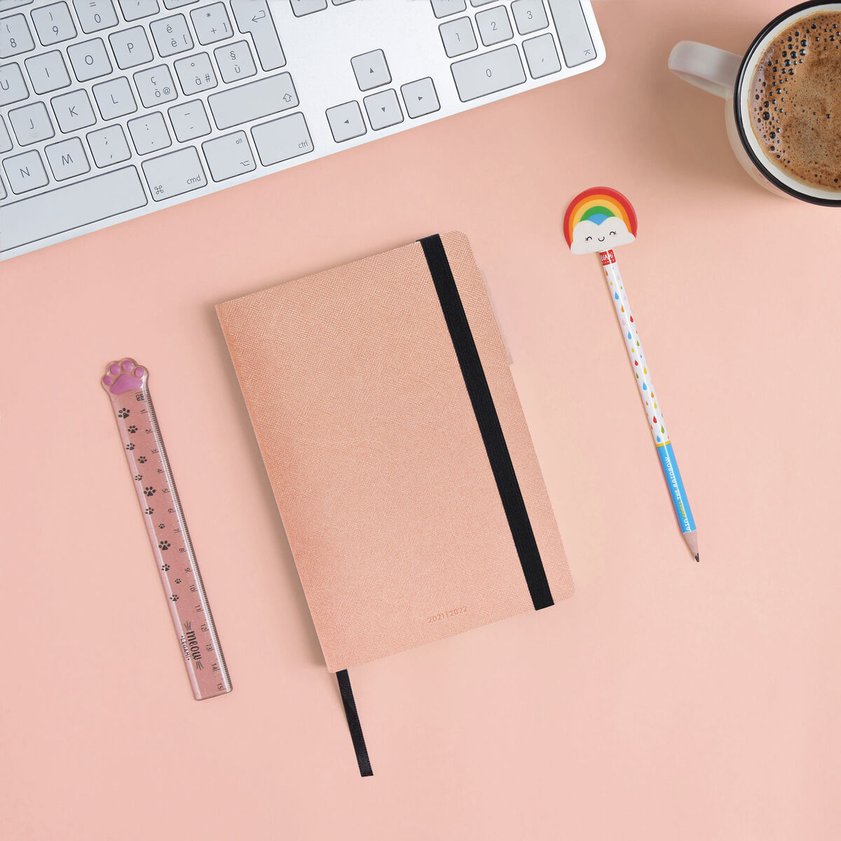 18-Month Weekly Diary - Medium With Notebook - 2021/2022, , zoo