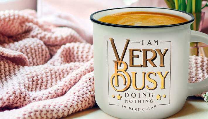 mugs and coffee cups